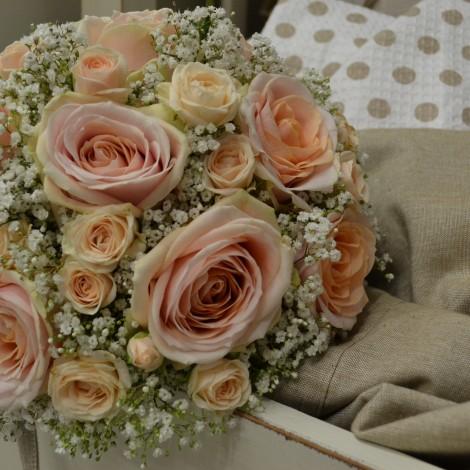 Romantičen poročni šopek
