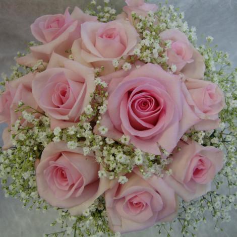 Šopek nežno roza vrtnic