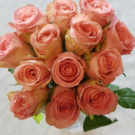 Preprost šopek oranžnih vrtnic