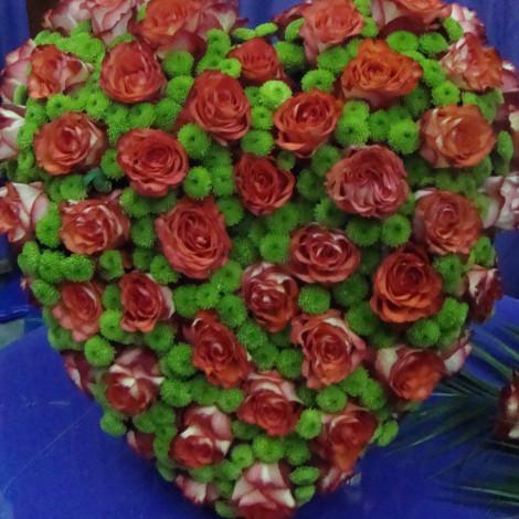 Srce oranžnih vrtnic